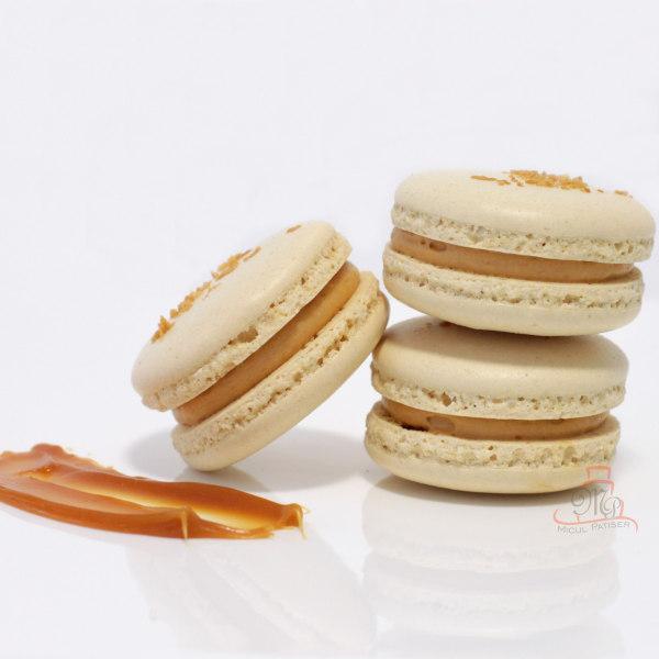 Macarons cu caramel sarat