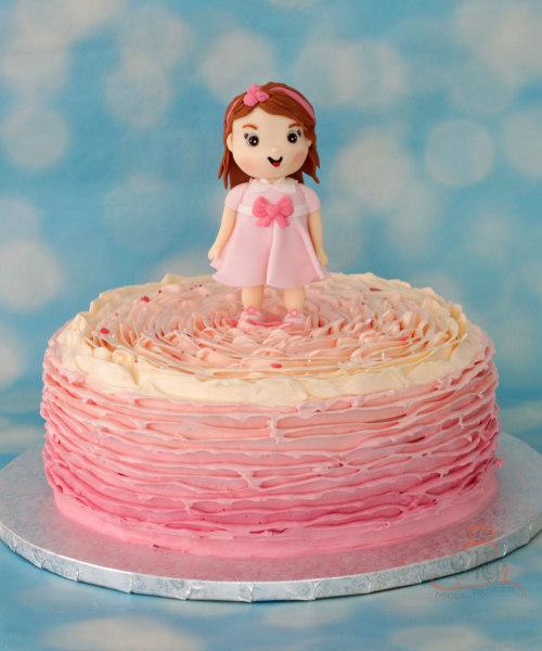 Tort cu figurina papusica