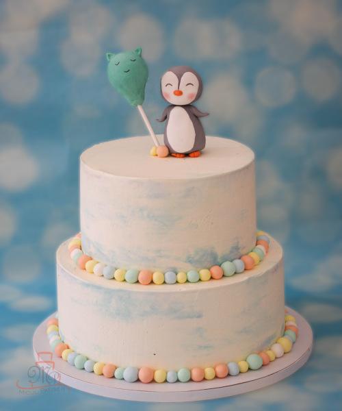 Tort cu pinguin cu balon si bilute