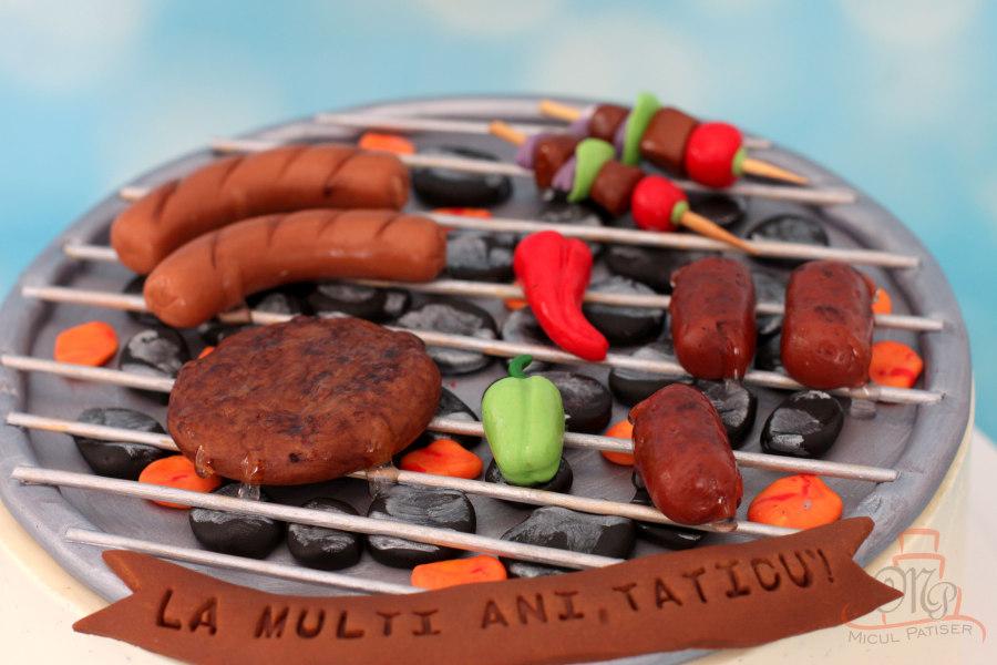 Tort gratar cu mici, carnati si chiftelute